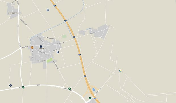 Het buurdorp Pesch, rechts van de A61, volgens Google-maps bestaat het nog...