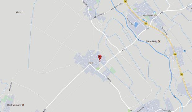 Daar stonden we in 2012, veel huizen om ons heen waren al afgebroken. Volgens dit kaartje van Google 2017 bestaat het dorp nog, maar...