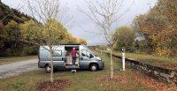 Op de camperplaats Pronsfeld, met WiFi. Het antennetje staat op de stroompaal, rechts. Dus een uitstekende ontvangst!
