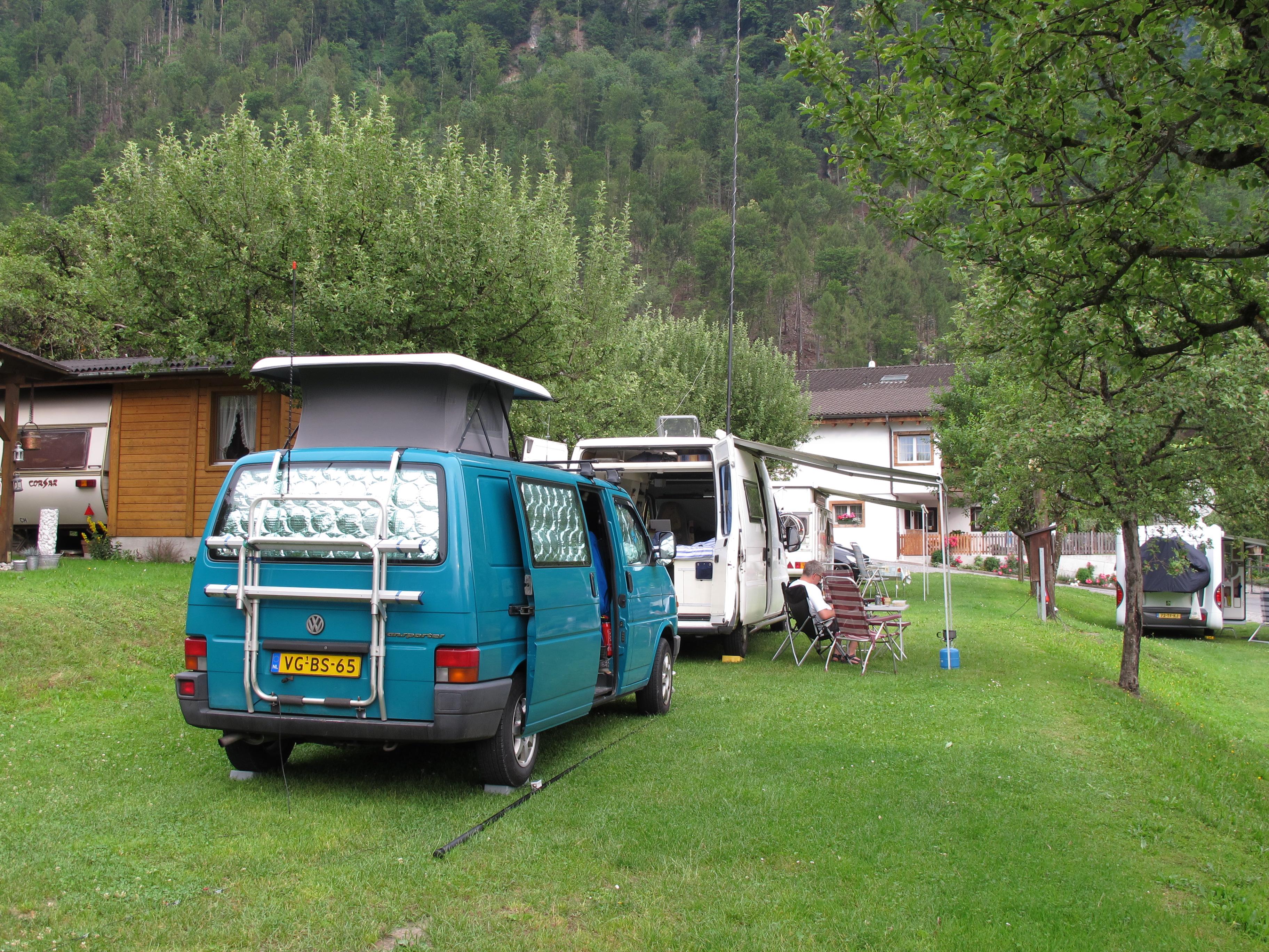 Op de camping in Liechtenstein (HB0)
