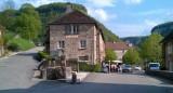 Het dorp Baume-les-Messieurs, op de achtergrond het terras.