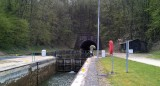 De eerste tunnel in het Canal des Ardennes die we tegenkomen.