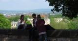 Het uitzicht over de stad en de omgeving.
