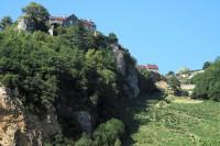 Romantisch gelegen wijndorpje Chateau Chalon.