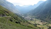 """Onderweg """"naar beneden"""" komen we in een van oorsprong doodlopend dal bij het eeuwenoude dorpje Bonneval."""