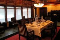 De eetkamer van het Jachtslot St. Hubertus.