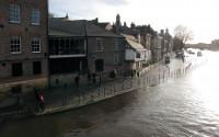 Hoog water in de rivier de Ouse, die dwars door York stroomt.