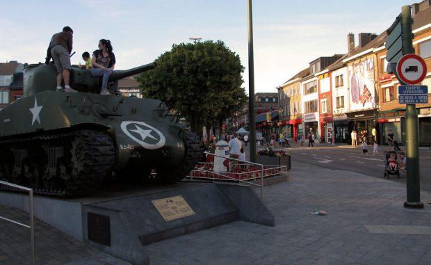 Een Amerikaanse tank herinnert aan de veldslagen uit de Tweede Wereldoorlog in dit deel van België.