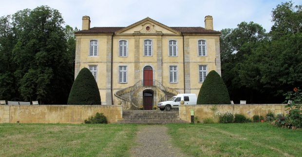 Het Chateau de Viella, sinds 2003 geheel gerestaureerd nadat het jaren had leeggestaan. Het huis is in de 18e gebouwd door een Markies.