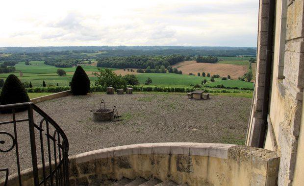 Het uitzicht vanaf de voordeur van het Chateau.
