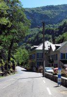 Oude herbergen langs de binnenwegen door de Pyreneeën.