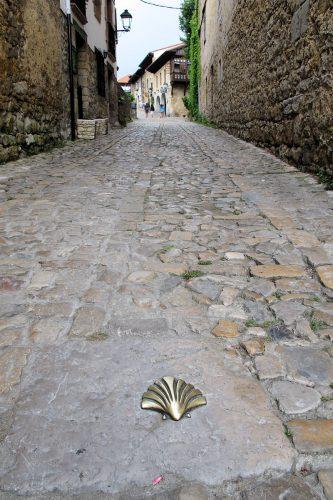 De Jacobsschelp, het symbool van de pelgrims op weg naar Santiago de Compostela.