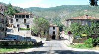 Zomaar een dorpje waar je doorheen rijdt over de SO-650 naar Arnedo.