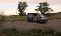 Overnachten op het terrein van de France Passion bio-boer.