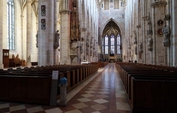 Het interieur van de Ulmer Münster.
