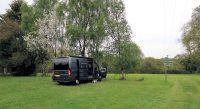 Op camping hillcrest bij het dorpje Whiteparish.