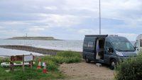 Camping Kildonan op het zuidpuntje van Arran, de korte 7m hoge antenne staat overeind voor de contest.