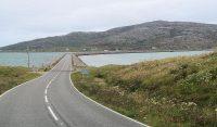 De dam van Eriskay terug naar Uist.
