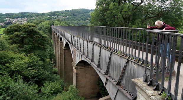 Dat aquaduct, wat een gigantisch ding!