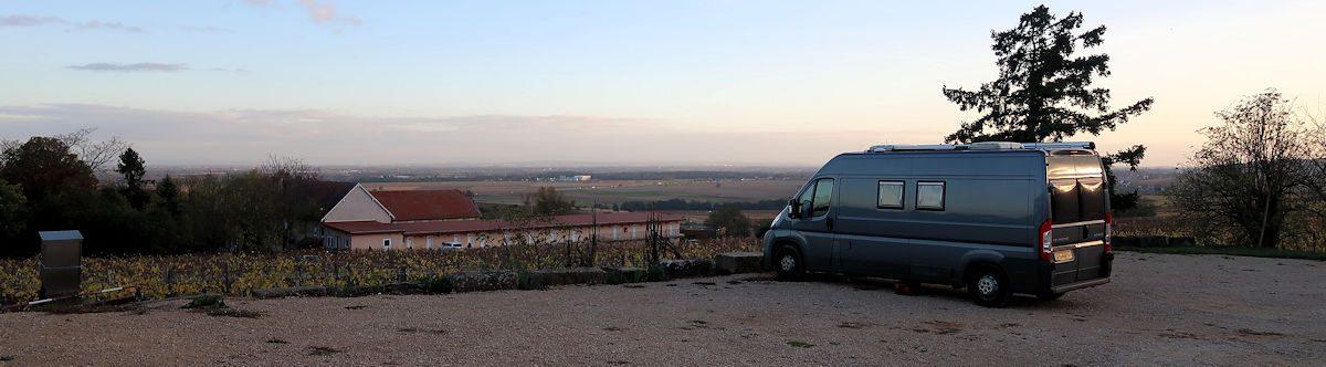 Weids uitzicht over het Rijndal, met het Schwartzwald aan de overkant.