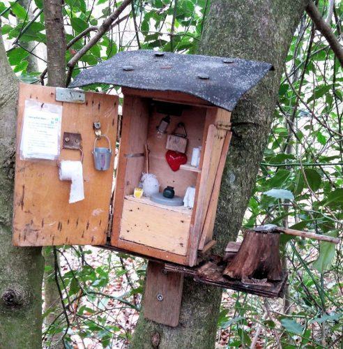 Een openbaar toilet voor de vogeltjes? Let op de details!