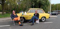 Langs de snelweg laten deze heren de jaren '70 herleven!