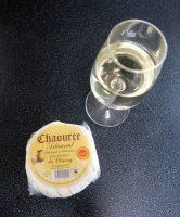 Het bekende Chaource-kaasje. Met een glaasje witte wijn, niet verkeerd!