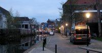 De avond valt langs de Schie in Schiedam...