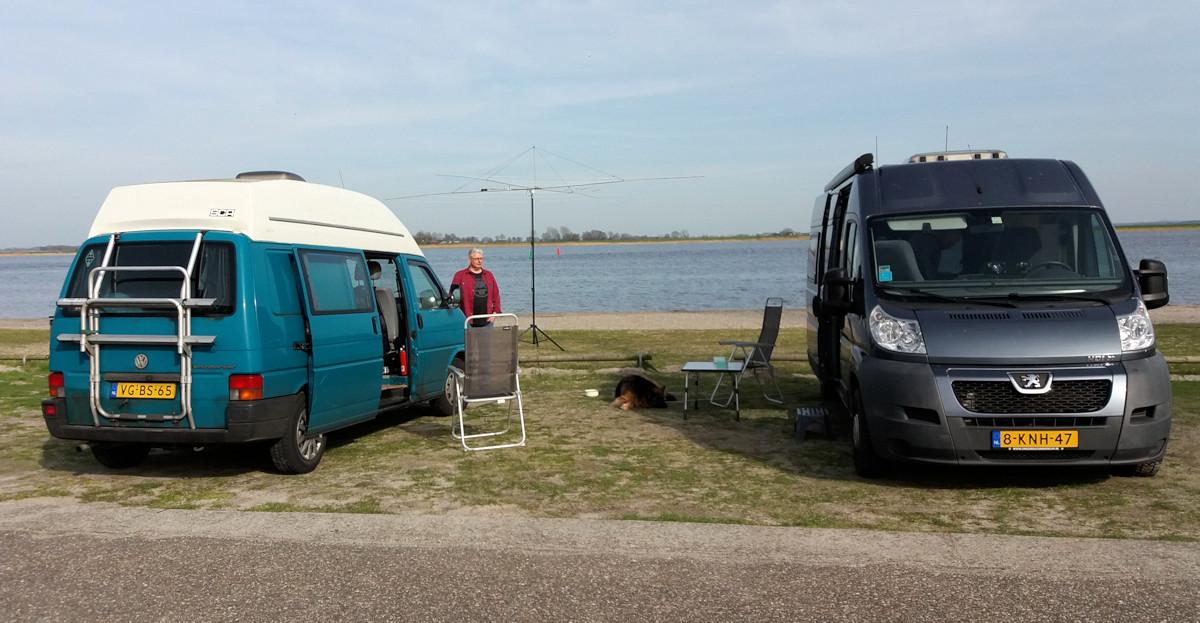 Een middagje aan het strand om de antenne af te regelen.