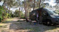 Onze eigen hoek van de camping, lekker rustig!