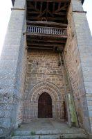 Het 13e eeuwse kerkje met de ladder...