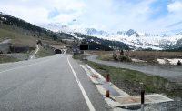 In het noorden van Andorra, via de tunnel richting Frankrijk.