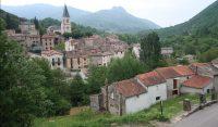 Het 'nieuwere' dorp Arre, gezien vanuit het oudste deel.