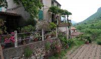 Aan de bovenkant van het oude dorp.