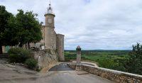 Het kasteel van Lussan, thans gemeentehuis.