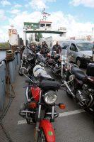 Heel veel motorrijders op de veerboot.