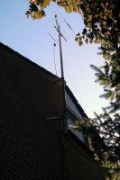 Het mastje met antennes tot 2018.