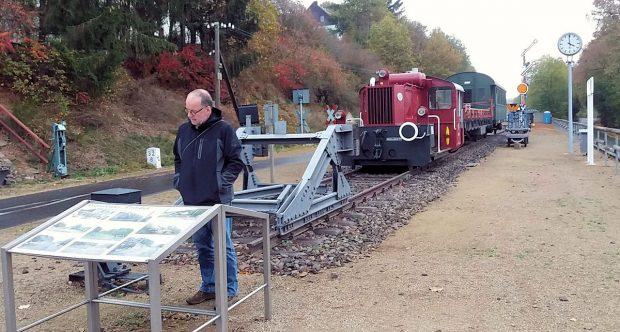 Veel informatie over deze opgeheven spoorbaan.