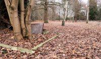Geocache bij een vergeten kerkhofje...