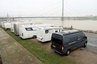 De camperplaats aan de Rijn in Düsseldorf.