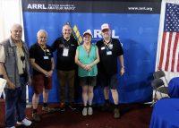 Met Bob NQ1R, mediamanager van de ARRL, op de foto.
