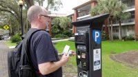 En in de VS werken parkeerautomaten natuurlijk ook nét even anders...