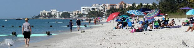 Het strand van Naples aan de Golf van Mexico.