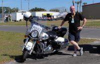 Ze rijden er nog, politie op Harley's...
