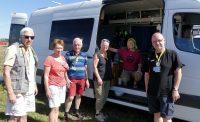 De zelfbouw kampeerbus van Nancy en Kirk KA2USA .