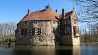 Burg Vischering in Ludinghausen, een middeleeuws bouwwerk.