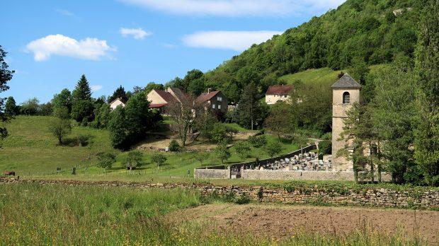 Het buurtschap La Peyrouse met de kerk.