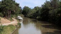 Idyllisch plaatje langs het Canal du Midi nabij de sluizen.