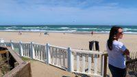 Het strand net achter de camper...
