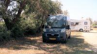 Op de camperplaats bij Saintes-Maries-de-la-Mere.